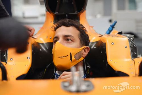 Daniel Ricciardo en visite à l'usine McLaren