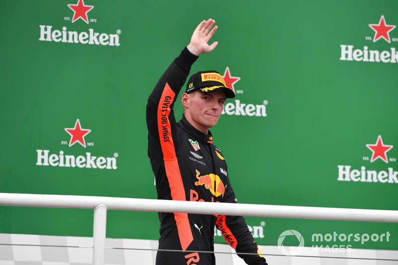 Podio: Max Verstappen, Red Bull Racing celebra
