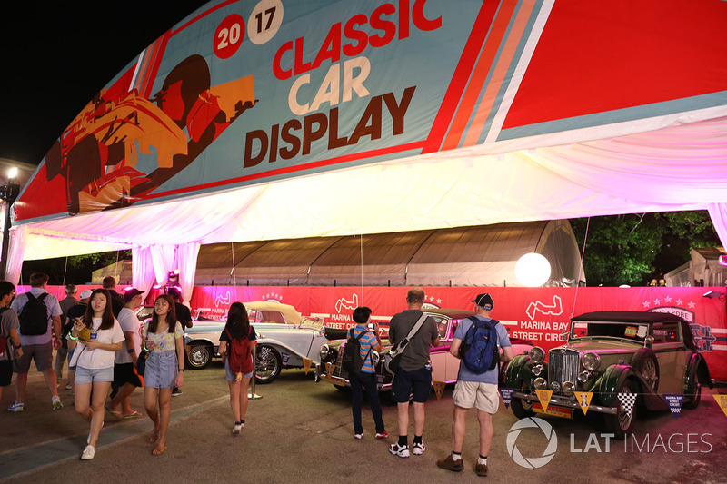 Fans and classic car display