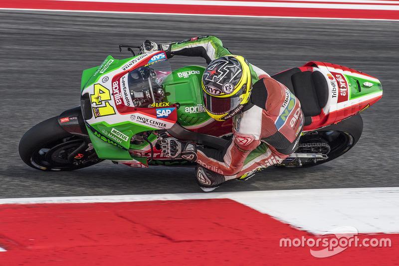 Sturz: Aleix Espargaro, Aprilia Racing Team Gresini