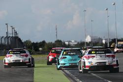 Dusan Borkovic, GE-Force, Alfa Romeo Giulietta TCR, Rob Huff, Leopard Racing Team WRT, Volkswagen Golf GTi TCR, Davit Kajaia, GE-Force, Alfa Romeo Giulietta TCR