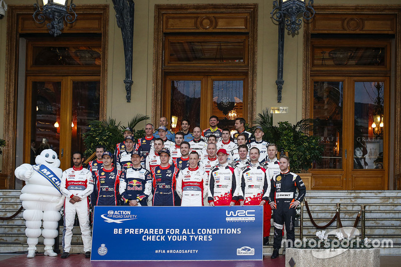 Foto de grupo de los pilotos WRC 2017
