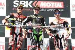 Podium: ganador, Jonathan Rea, Kawasaki Racing, segundo, Chaz Davies, Ducati Team, tercero, Marco Melandri, Ducati Team