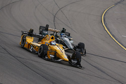 Graham Rahal, Rahal Letterman Lanigan Racing Honda, J.R. Hildebrand, Ed Carpenter Racing Chevrolet