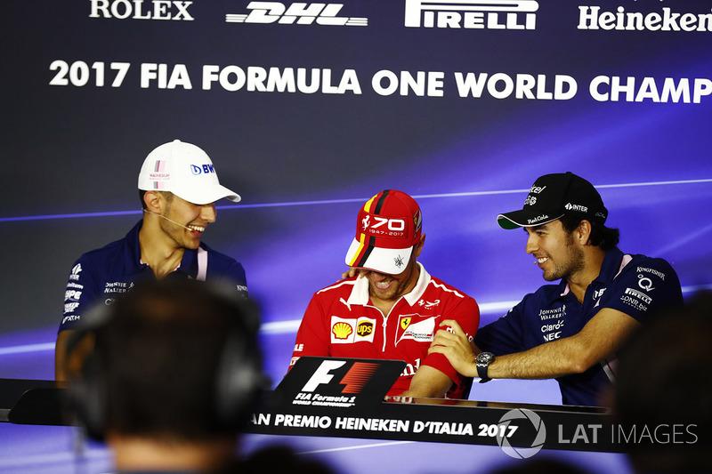 Esteban Ocon, Force India, Sebastian Vettel, Ferrari, Sergio Pérez, Force India en la conferencia de prensa de la FIA
