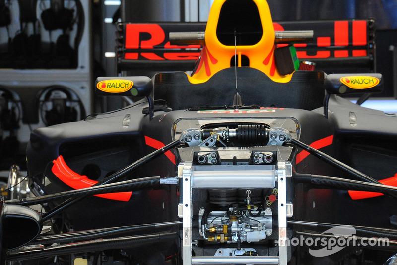 Передняя часть Red Bull Racing RB13