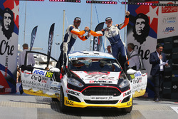 Победители Ралли Франция в зачете JWRC Нил Соланс и Мигель Ибанес, Ford Fiesta R2