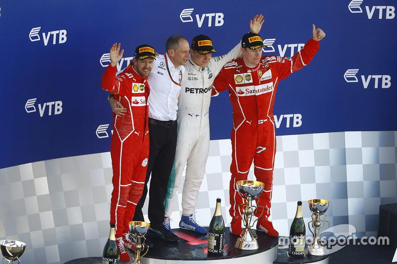 Podium: race winner Valtteri Bottas, Mercedes AMG F1, second place Sebastian Vettel, Ferrari, third place kimi Raikkonen, Ferrari, Tony Ross, Mercedes AMG F1 Race Engineer
