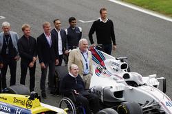 Sir Frank Williams, Patrick Head, Williams FW40 y FW11 Honda. Behind, Damon Hill, Nico Rosberg, David Coulthard, Pastor Maldonado, Karun Chandhok y Alex Wurz