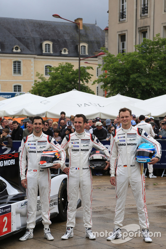 #2 Porsche Team Porsche 919 Hybrid: Ромен Дюма, Ніл Яні, Марк Ліб