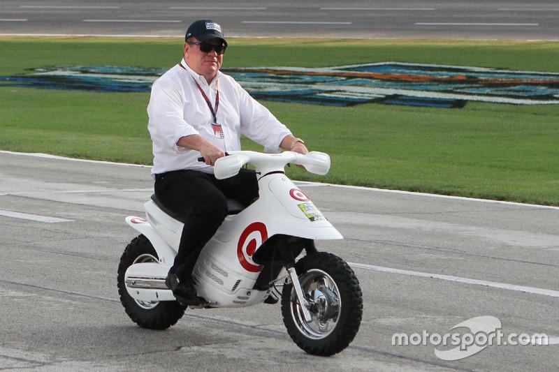 Чіп Ганассі на скутері