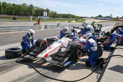Luca Filippi, Dale Coyne Racing Honda pit action