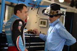 Aric Almirola, Richard Petty Motorsports Ford, Richard Petty