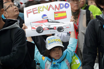 A young fan of Fernando Alonso, Toyota Gazoo Racing