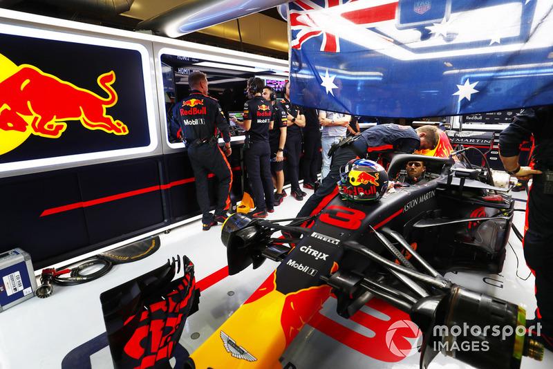Даниэль Риккардо занял четвертое место в своем 100-м и последнем Гран При за Red Bull. Это была 150-я гонка австралийца в Ф1