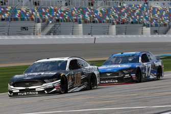 Aric Almirola, Stewart-Haas Racing, Ford Mustang Smithfield, Ricky Stenhouse Jr., Roush Fenway Racing, Ford Mustang Fastenal
