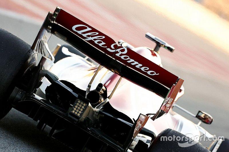Alfa Romeo Racing C38 arka kanat detay