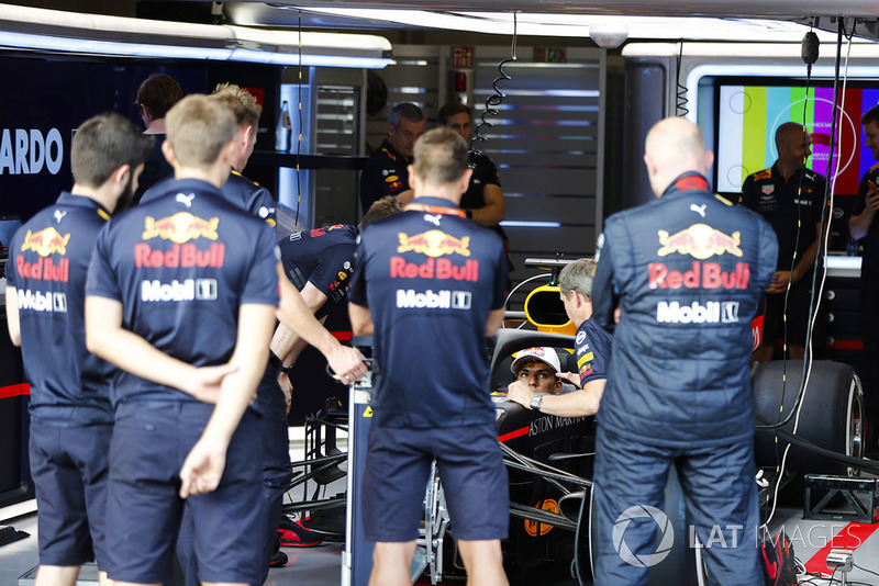 П'єр Гаслі, Red Bull Racing RB14