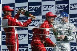 Podio: Michael Schumacher, Ferrari; Rubens Barrichello, Ferrari; David Coulthard, McLaren