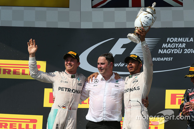 Podium: ganador, Lewis Hamilton, Mercedes AMG F1 Team, segundo, Nico Rosberg, Mercedes AMG F1 Team