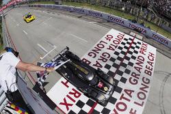 #5 Action Express Racing Cadillac DPi, P: Жоау Барбоза, Філіпе Альбукерк виграють