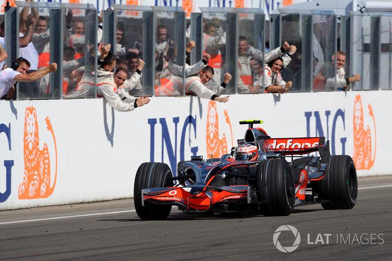 На Гран При Венгрии-2008 Хейкки Ковалайнен одержал свою единственную победу в Ф1. Тогда же он стал 100-м победителем Гран При в истории чемпионата мира