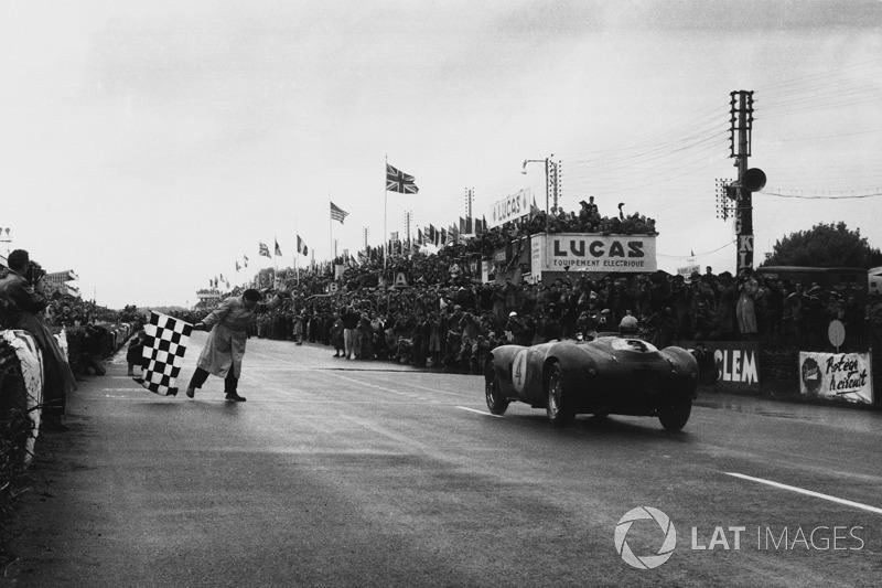 Sieg für #4 Ferrari 375 Plus: Jose Froilan Gonzalez, Maurice Trintignant