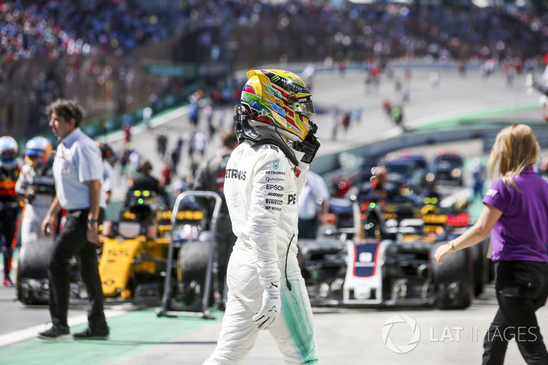 Lewis Hamilton, Mercedes AMG F1, in Parc Ferme after the race