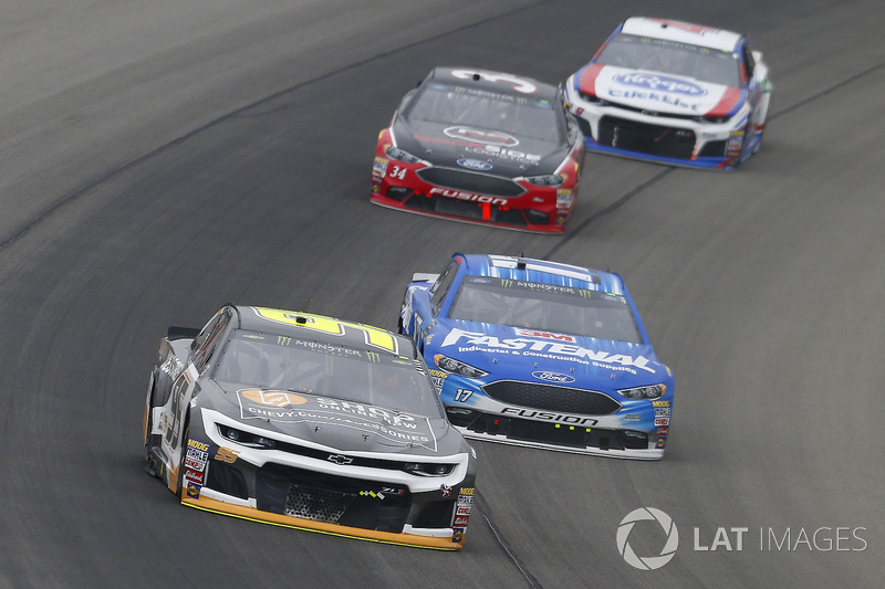 Kasey Kahne, Leavine Family Racing, Chevrolet Camaro Chevy Accessories e Ricky Stenhouse Jr., Roush Fenway Racing, Ford Fusion Fastenal