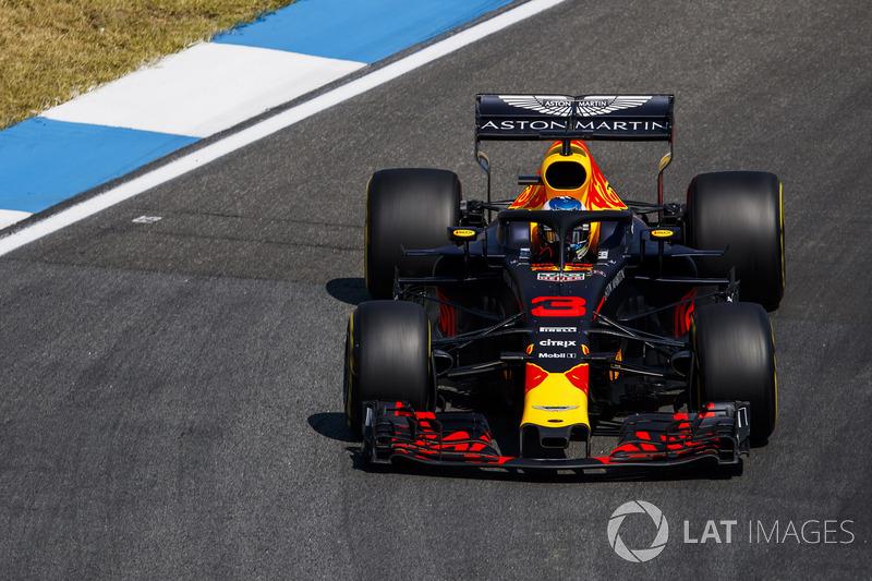 19: Daniel Ricciardo, Red Bull Racing RB14 (sin tiempo y con sanción por cambio de piezas del motor)