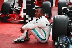 Lewis Hamilton, Mercedes AMG F1, in parc ferme