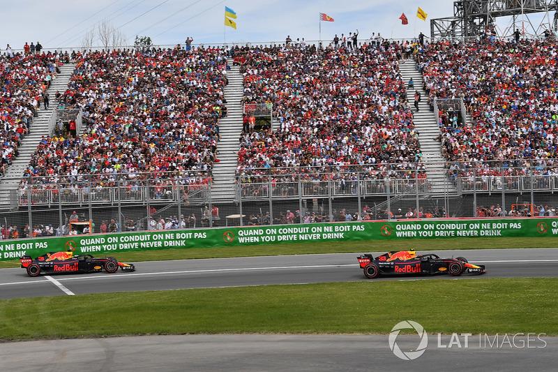 Daniel Ricciardo, Red Bull Racing RB14 leads Max Verstappen, Red Bull Racing RB14