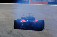 Brendon Hartley, Scuderia Toro Rosso STR12 con un problema en el motor