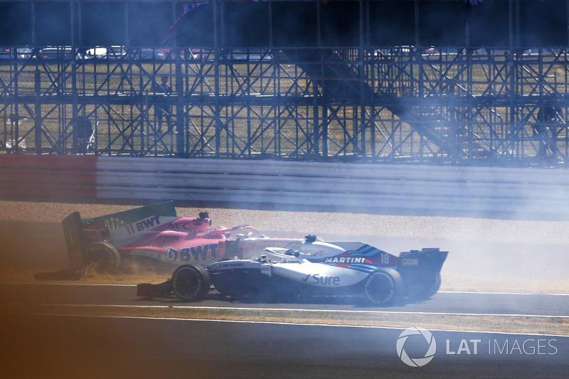 Sergio Perez, Force India VJM11, y Lance Stroll, Williams FW41