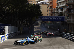 Sébastien Buemi, Renault e.Dams, leads at the start of the race