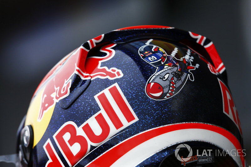 Helmet design detail on the rear of Daniel Ricciardo, Red Bull Racing