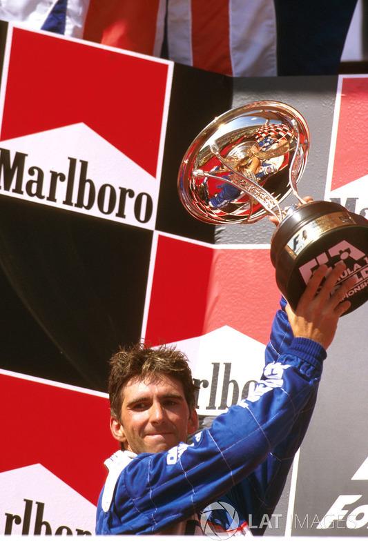 Если бы Хилл все же выиграл, это была бы первая в истории победа команды Arrows, двигателей Yamaha и шин Bridgestone