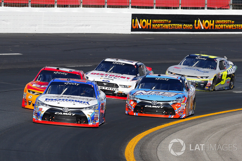 Ryan Preece, Joe Gibbs Racing Toyota and Kyle Larson, Chip Ganassi Racing Chevrolet
