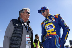 Race Official Mario Andretti with Chase Elliott, Hendrick Motorsports Chevrolet