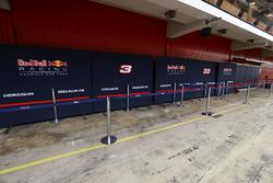 Die Box von Red Bull Racing ist verschlossen