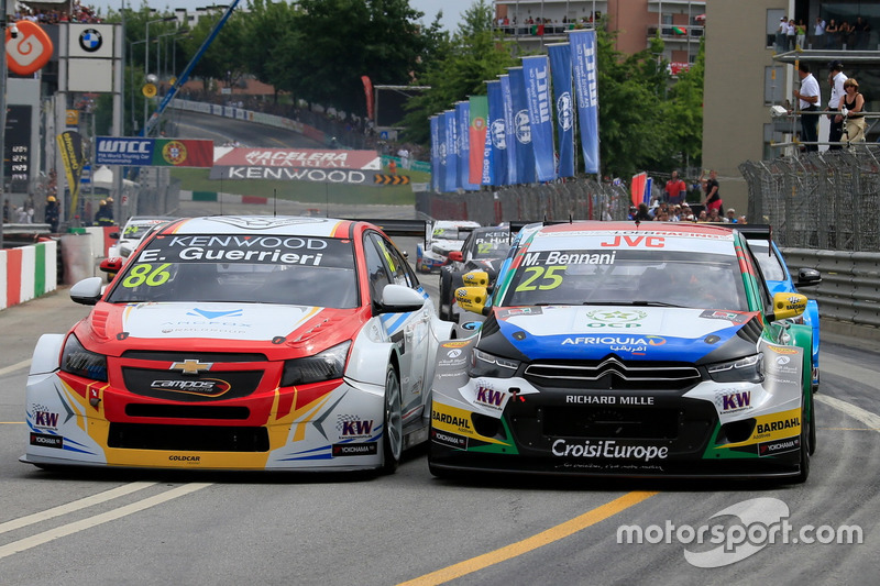 Esteban Guerrieri, Campos Racing, Chevrolet RML Cruze TC1, Mehdi Bennani, Sébastien Loeb Racing, Citroën C-Elysée WTCC