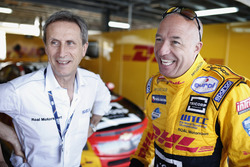 Roberto Ravaglia, teammanager van ROAL Motorsport met Tom Coronel, Roal Motorsport, Chevrolet RML Cruze TC1