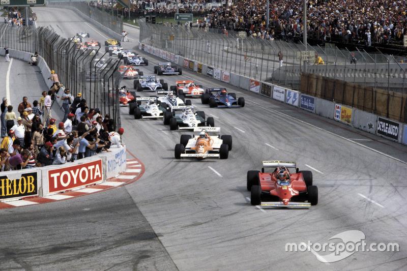 Départ : Gilles Villeneuve, Ferrari 126C mène le peloton