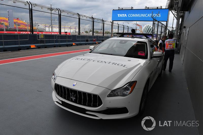 Автомобіль гоночного контролю