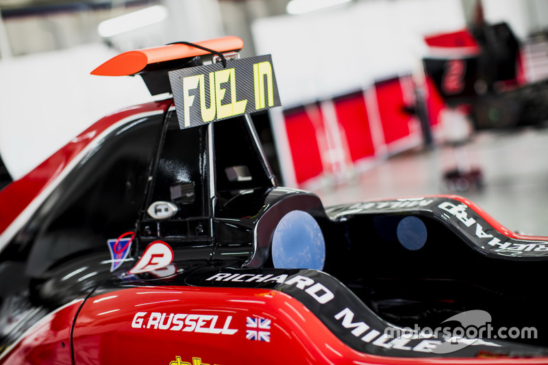 Fuel in sign on the car of George Russell, ART Grand Prix