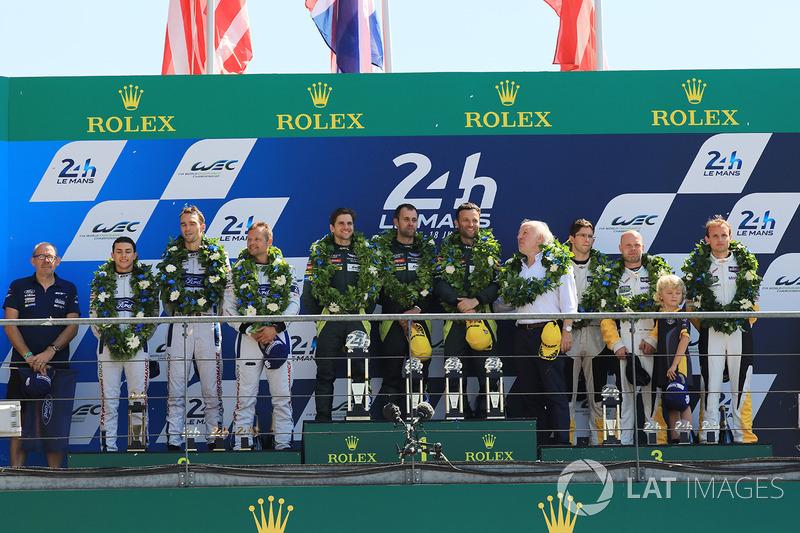 GTE Pro podium: primeros Darren Turner, Jonathan Adam, Daniel Serra, Aston Martin Racing, segundos, Andy Priaulx, Harry Tincknell, Pipo Derani, Ford Chip Ganassi Racing, tercero, Jan Magnussen, Antonio Garcia, Jordan Taylor, Corvette Racing