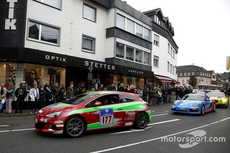 #177 Opel Astra J OPC: Lena Strycek, Robin Strycek, Volker Strycek