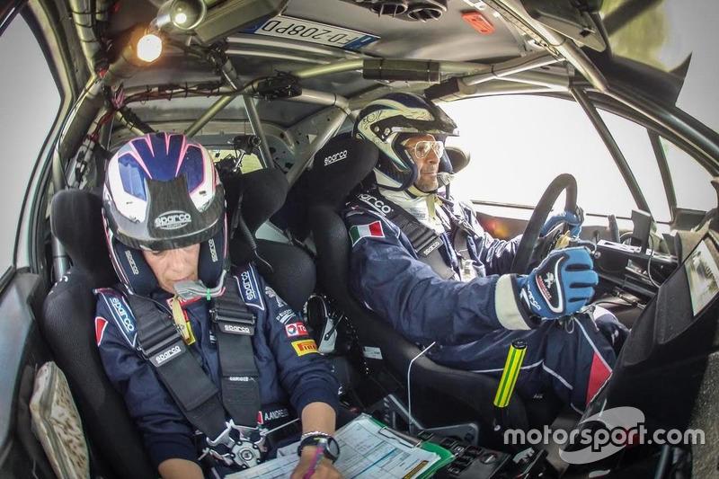 Paolo Andreucci e Anna Andreussi, Peugeot 208 T16, raggiungono la partenza di Gara 1