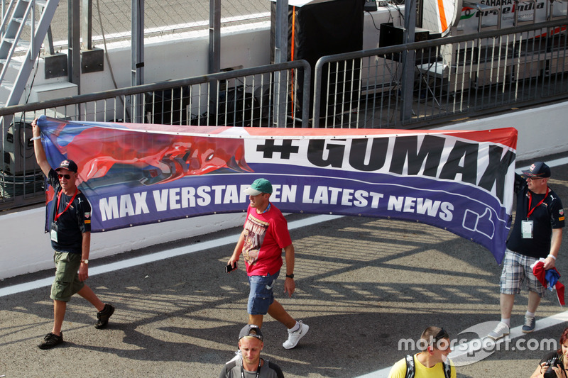 Max Verstappen, Red Bull Racing fans with a banner