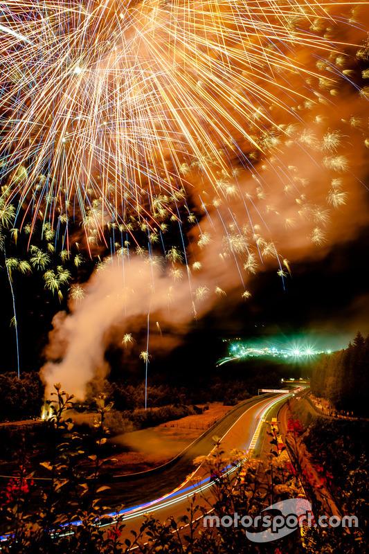 Feuerwerk, Atmosphäre